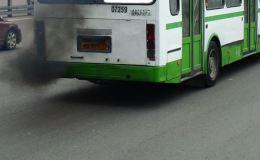 Названы самые чадящие автобусы Кирова
