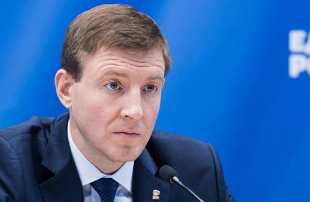 Турчак просит Президента РФ представить к награде бортпроводницу Ан-24 авиакомпании «Ангара»