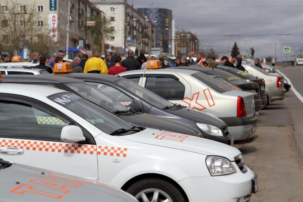 В Кировской области проверяют такси