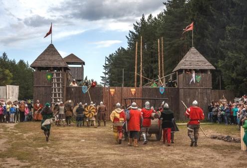 Топот лошадей, позвякивание кольчуг и состязания всадников ждут кировчан в эти выходные