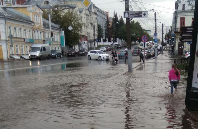 Пешеходы с улицы Ленина в беспокойстве: а вдруг опять дождь?
