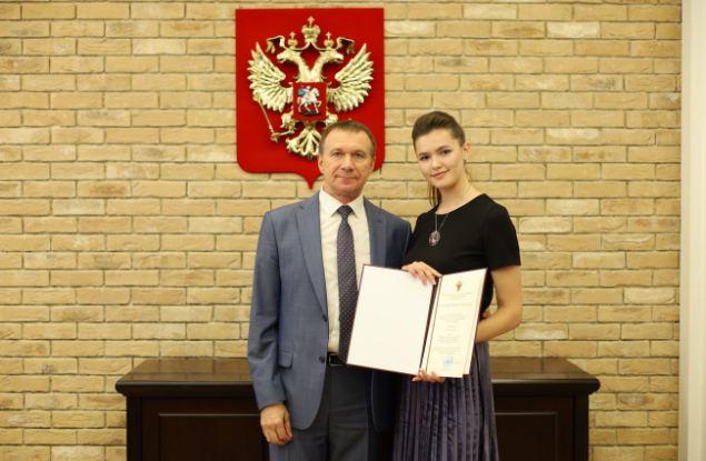 Студентка ВятГУ разработала нагрудный знак новой ведомственной награды