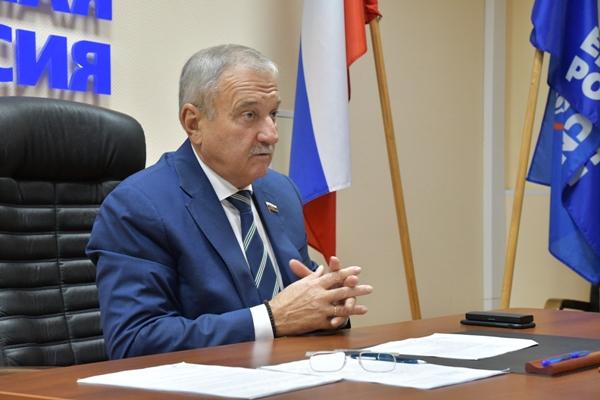 В «Единой России» прокомментировали возможный уход Владимира Быкова