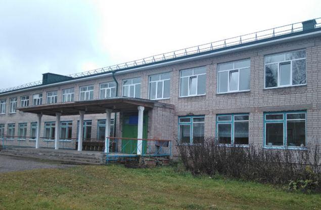 В сельских школах области отремонтируют спортзалы