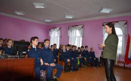 Родинцы поздравили яранских кадетов с Днем народного единства