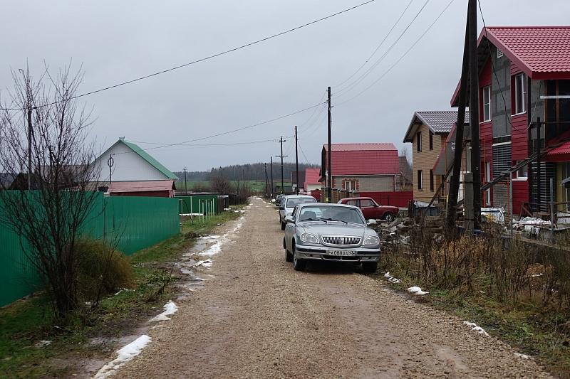 Подрядчик не сделал дорогу в поселке Дороничи